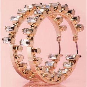 Jewelmint Infinite Glam Gold Hoop earrings NEW